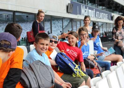 Lors de cette Journée Évasion à Bordeaux, les enfants malades et/ou en situation de handicap peuvent découvrir les coulisses du Matmut Atlantique.